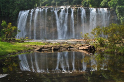Tinuy-an Falls 01