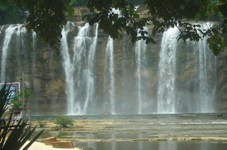 Tinuy-an Falls 02